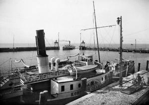 »Koenigin Charlotte« im Hafen von Friedrichshafen