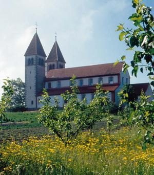 Foto: Tourist-Information Reichenau - Kirche St. Peter und Paul